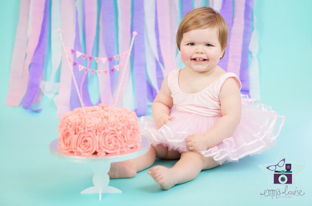 Jessicas 1st Birthday Cake Smash Baby Photography Kent Emma
